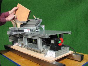 Einlegen des Werkstücks auf TZ 01 135F