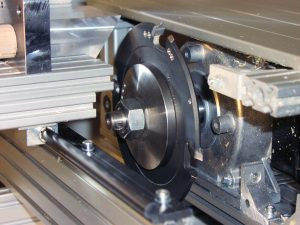 Sonderscheiben-Fräser für Radius und Fase kombiniert mit Sägemotor- Nahansicht
