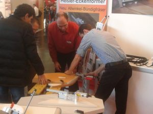 Innovationen auf der Holz-Handwerk 2012 - Vorführung des Allwinkel-Bündigfräsers