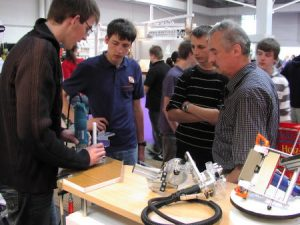 Starke Ligna 2009 in Hannover - Präsentation der Kantenfräsen 2